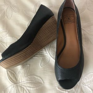 Lucky Brand Issy Leather Peep Toe Platform Wedges